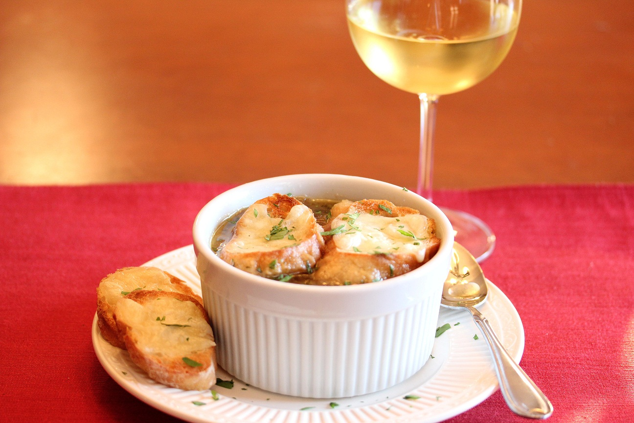 Cheesy french onion soup recipesbnb worlds easiest french onion souplisas dinnertime dish for sisterspd